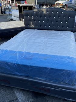 NEW MODERN DEBONAIR QUEEN BED WITH MEDIUM SOFT MATTRESS for Sale in Los Angeles,  CA