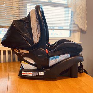 Graco SnugRide 35 LX Infant Car Seat for Sale in Runnemede, NJ