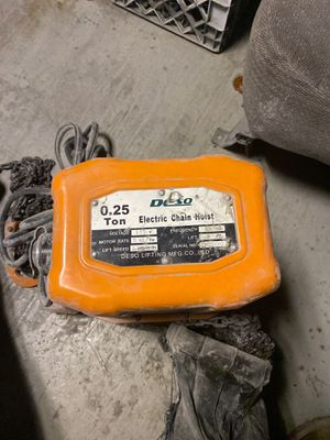DESO 0.25 Ton Electric Chain Hoist for Sale in Queens, NY