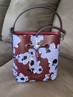 Kate Spade Bucket Bag for Sale in Stoughton, MA