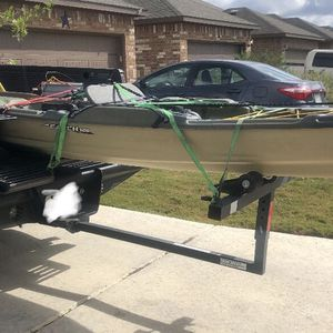 120 fishing kayak pelican..All the bells and whistle's.. for Sale in Kyle, TX