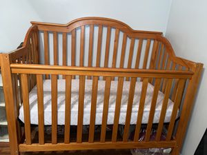 Crib for Sale in North Olmsted, OH