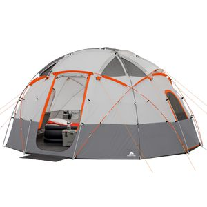 Ozark Trail 12 person Dome Tent with Light for Sale in Anaheim, CA