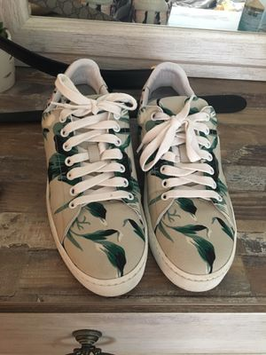 Burberry shoes size 8 for Sale in St. Petersburg, FL