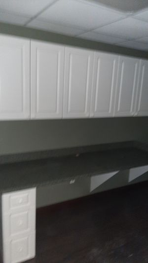 Kitchen cabinets and countertops for Sale in Hollywood, FL
