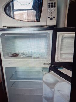 3.2 Cu Ft Double door Mini Fridge with free risers + Microwave for Sale in Brooklyn,  NY
