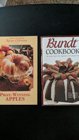 Bundt cook book and pan and other cookbooks for Sale in Longmont, CO