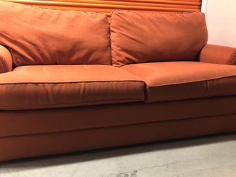 La-Z-Boy Queen Pull Out Couch | FREE DELIVERY for Sale in Norwood,  MA