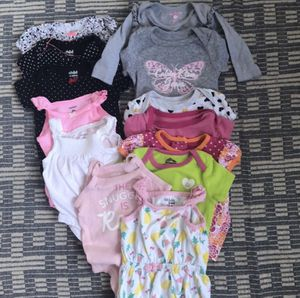 Girls baby clothes 0-3 3-6 months for Sale in Los Angeles, CA