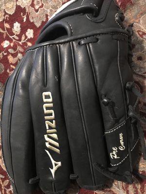 Mizuno Global Elite softball glove brand new for Sale in Snohomish, WA