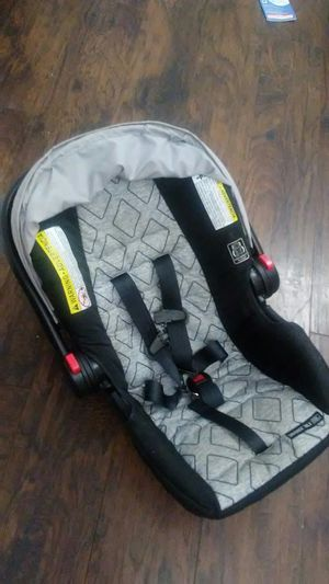 Car seat for Sale in Obetz, OH