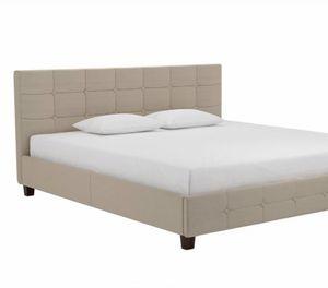New king platform bed frame for Sale in Columbus, OH