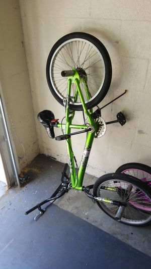 Fairly new girls bike and boys bike for Sale in Haines City, FL
