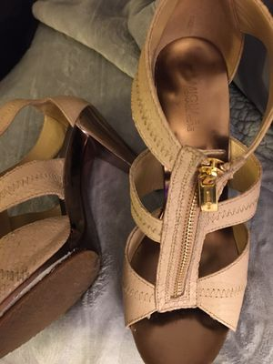 Michael kors sandals 7 1/2 for Sale in Citrus Heights, CA