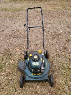 4.5hp/22 craftsman lawnmower for Sale in Woonsocket, RI