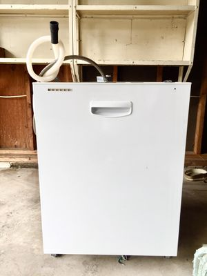 GE® Tall Tub Built-In Dishwasher with hidden controls and recessed handle. for Sale in Steilacoom, WA