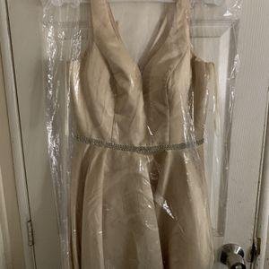Mid-thigh satin dress for Sale in San Bernardino, CA