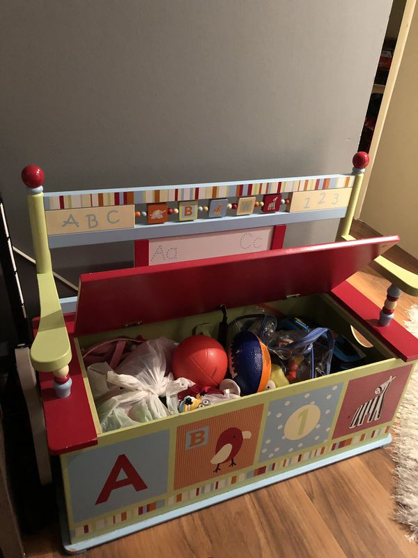 Kids toy box