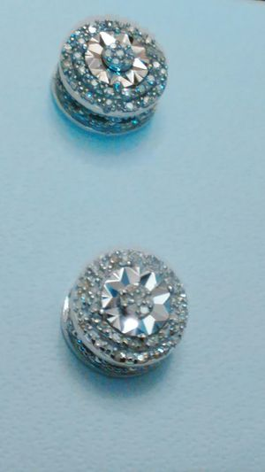 1/10 CTW double halo Diamond in Sterling silver stud earrings brand new still close in box for Sale in Detroit, MI
