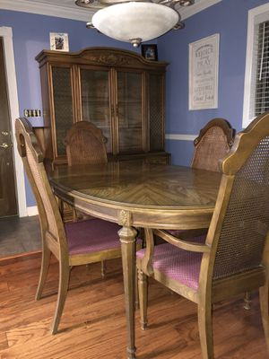 Beautiful Dining Room Set for Sale in Uniontown, PA