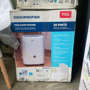 Tcl 30 Pint Dehumidifier Tdw30e19 for Sale in Los Angeles, CA