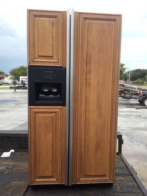 BEAUTIFUL WOOD PANEL COUNTER DEPTH REFRIGERATOR for Sale in West Palm Beach, FL