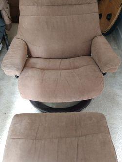 Ekornes Stressless recliner and ottoman for Sale in Shoreline,  WA