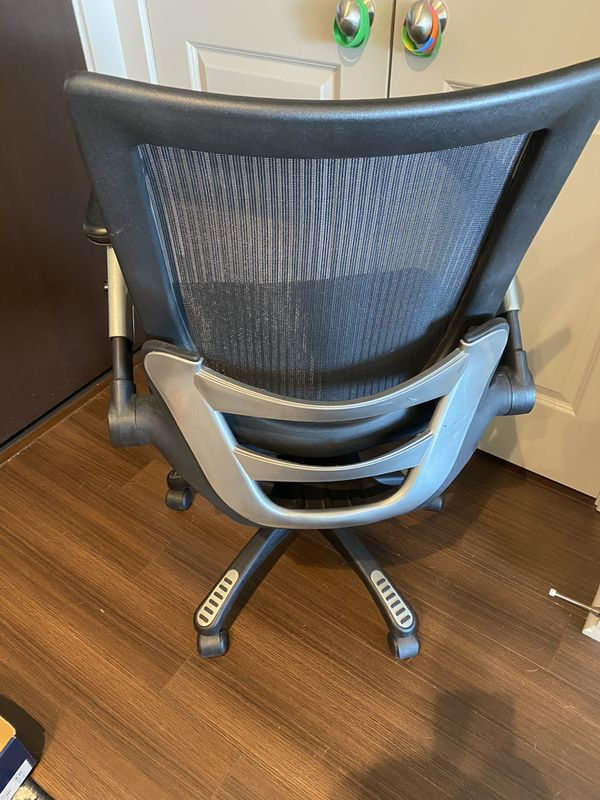 Black Mesh Stylish yet Comfy Office Chair