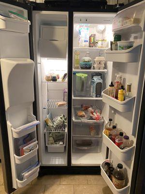 Frigidaire refrigerator for Sale in Virginia Beach, VA