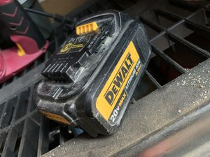Dewalt 20v battery (doesn't charge) for Sale in Los Angeles, CA