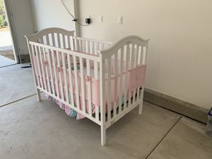Crib with mattress, padding and seats. for Sale in Ontario, CA