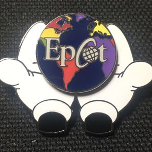 2000 Disney Epcot Earth in Mickey's Hands Trading Pin #116 for Sale in Midlothian, VA