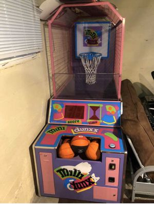 MINI DUNXX ARCADE BASKETBALL GAME W/ MOVING BASKET++Delivery Available - $400 (NORTH TACOMA) for Sale in Tacoma, WA
