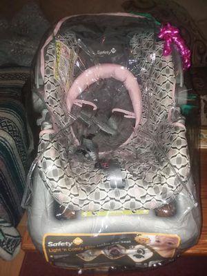Safety 1st Light 'n Comfy Elite Infant Car Seat for Sale in Waynesburg, PA