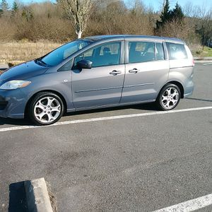 MAZDA 5. YEAR 2008 WITH 3 ROW SEATING GREAT SHAPE for Sale in Lynnwood, WA