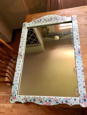 Beautiful Floral Mirror for Sale in Fairview Park, OH