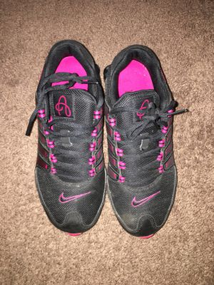 Nike shoes / hot pink for Sale in Dallas, TX