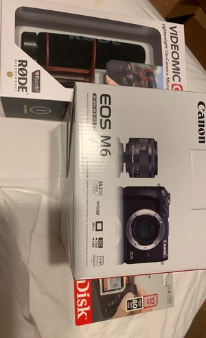 Canon EOS M6 and rode mic and 32GB Sandisk for Sale in Fort Lauderdale, FL