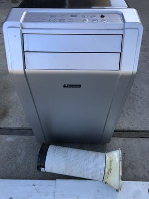 9500btu ever-star ac unit $160/trade ps4 need gone today's for Sale in Los Angeles, CA