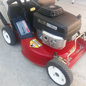 Toro Exmark Commercial Lawn Mower for Sale in Long Beach, CA