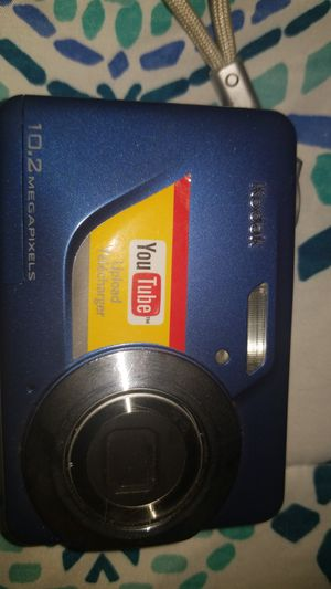 KODAK EasyShare C180 Digital Camera-AA Battery operated 10.2 Megapixel for Sale in Chicago, IL