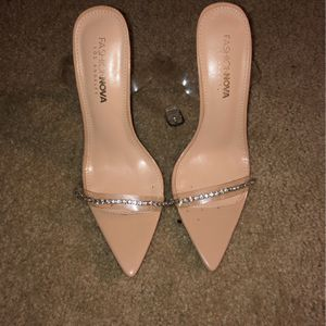 Fashion Nova Heels New Sz 7 for Sale in Silver Spring, MD