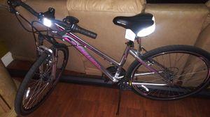 Schwinn ladies bike for Sale in Miami Gardens, FL