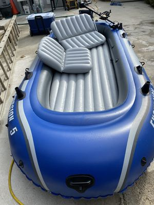 Inflatables boat 5 person for Sale in Landover, MD