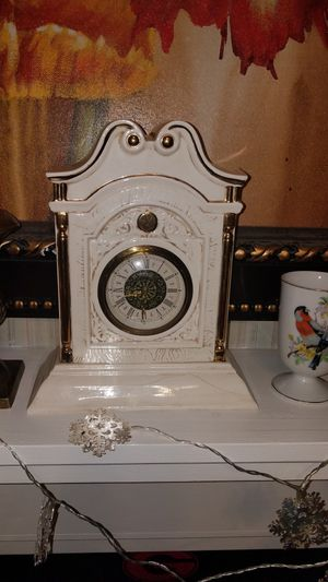 Antique clock, from Germany, small scratch on the front that can easily be covered up for Sale in Macon, GA
