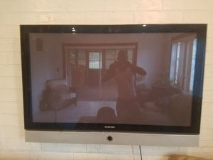 55 inch samsung with mounting bracket for Sale in West Palm Beach, FL