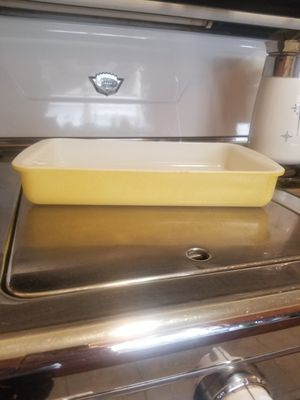 Pyrex 2 Quart Baking Dish for Sale in Whittier, CA