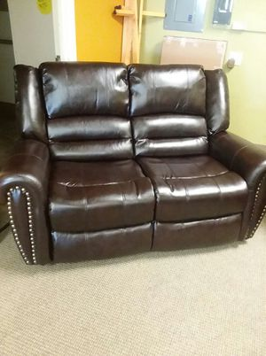 2pc recliner set for Sale in Las Vegas, NV