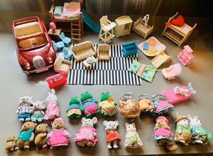 Super cute & fun Calico Critters & Lil' Woodsies collection for Sale in Seattle, WA