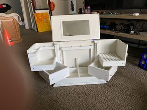 Beautiful White makeup organizer for Sale in Gresham, OR